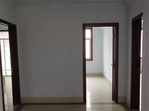 北海明珠4室2厅2卫1600元/月