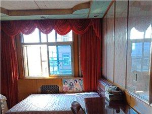 县设小区3室2厅1卫1100元/月