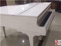 施特劳斯白色钢琴9.5成新价钱可议