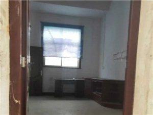 九龙华府4室2厅4卫92万元