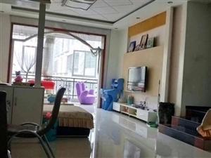 景宏3室2厅2卫免费停车只有2200一个月