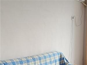 城张小区3室2厅1卫750元/月