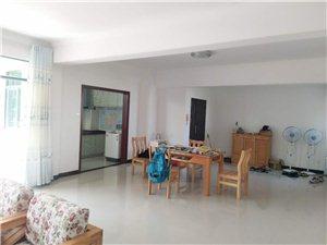 海虹家园3室2厅2卫年租2500元/月