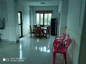 碧海苑3室2厅2卫2100元/月