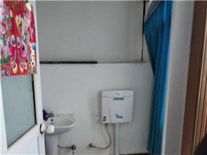 汽车站旁边2室1厅1卫7000元/月