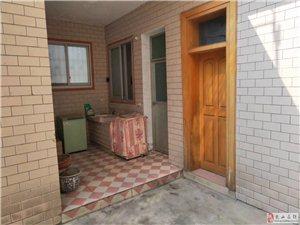 金博大附近单门独院5室2厅3卫160万元