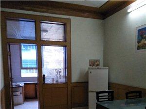 东风巷家具家电齐全3室2厅1卫800元/月
