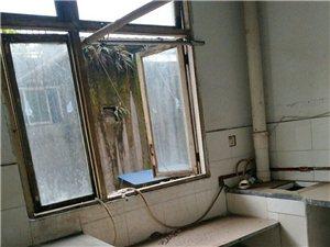 翠金街3楼2室2厅1卫500元/月