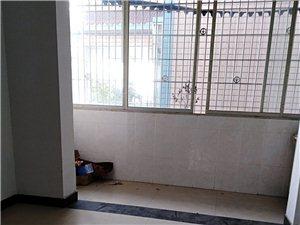 南田小区3室2厅2卫1000元/月
