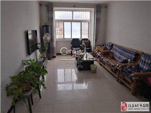 宏宇小区3室精装修126.9平115万送车库储藏间