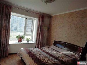石化新村4室2厅2卫190万元