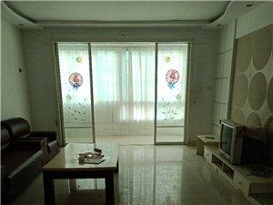 天山花园1楼159平4室带家具车库2000元/月