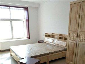急租精装3房龙苑小区3室2厅2卫1700元/月