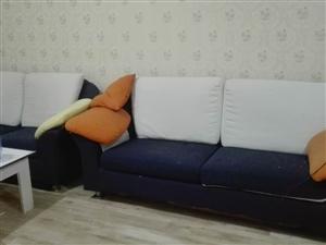 四海馨城1室1卫45平精装公寓带家具家电
