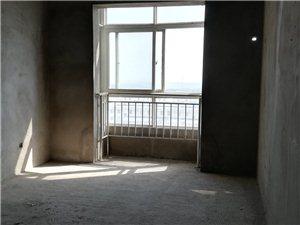 锦绣花园3室2厅2卫68万元