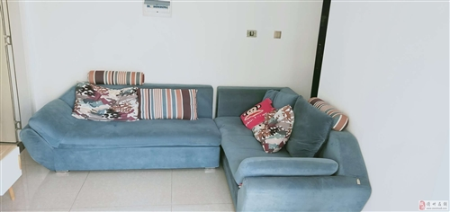 出售,二手沙发600元。