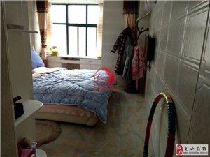 盘龙城3室2厅2卫135万元