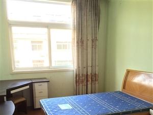 海岱南苑3室2厅1卫1700元/月