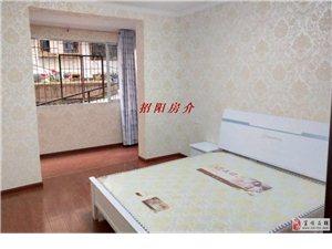 09413商业广场附近1楼精装3室2厅房主急售