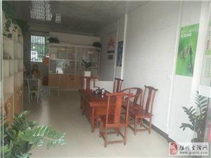 龙腾嘉园1室1厅1卫2200元/月美容店或空铺