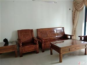 怡心花园3室2厅1卫1500元/月