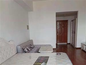 盛宏公寓1室1卫50平精装带家具家电拎包住