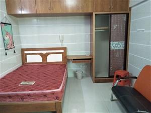 阳光城1室1厅1卫1200元/月