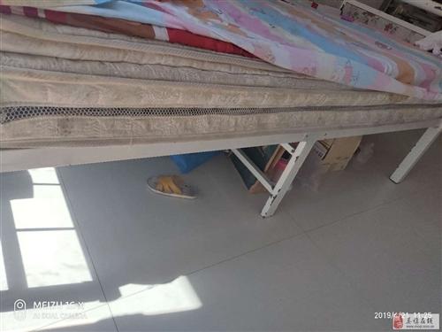 出售1米8兩米八鐵床