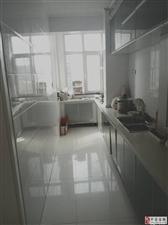 玉宇明珠好楼层带装修大两居,每个屋都有窗户