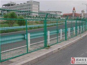 广东深圳高速公路护栏施工价格找谁加工—佛山金栏筛网