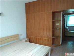 区县医院宿舍楼4室2厅2卫1200元/月