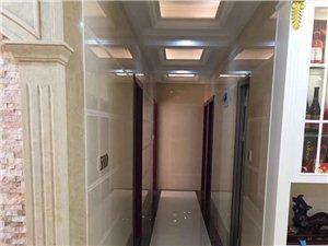 宝龙城市广场5室2厅2卫265万元