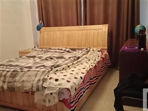 嘉园壹号4楼精装修拎包入住3室2厅1卫2600元/月