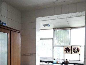 教師北院6樓2套1中等裝修家具家電齊全700元