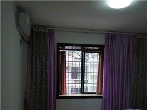 滨江花园3室2厅2卫1600元/月