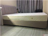 98成新的床,真誠出售,基本沒有睡過。短期內會成交