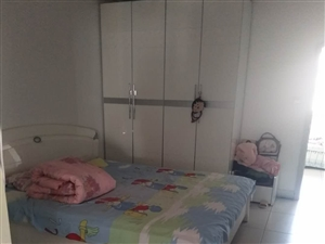 创业北里3室1厅1卫1800元/月一楼带院
