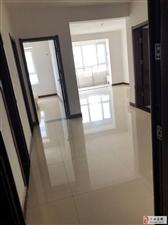 御龙湾89平带储藏室,房产证已办。房子紧急出售(个人)