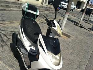 踏板125摩托车出售