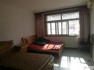 天虹花园3室2厅1卫1200元/月