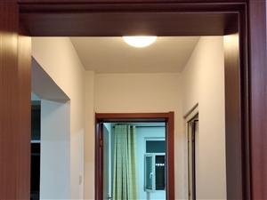 农丰家园4楼精装修3室2厅1卫1400元/月