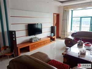 阳光水岸小区江景房3室2厅2卫2200元/月