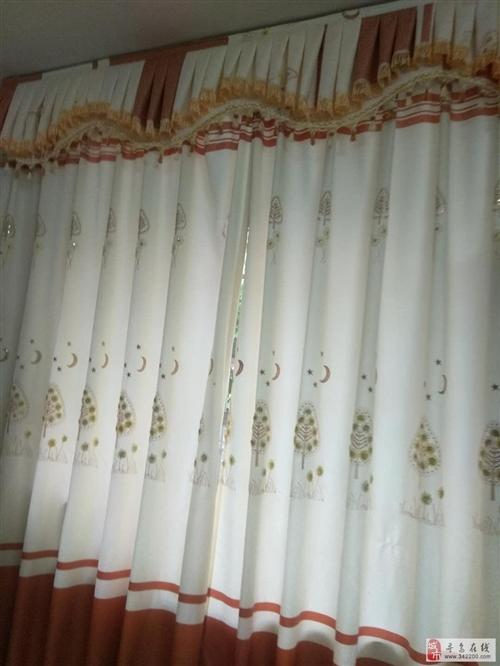 客厅窗帘布宽4米*高2.7米(使用几月拆洗后未再使用)