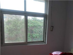 2室1厅1卫600元/月