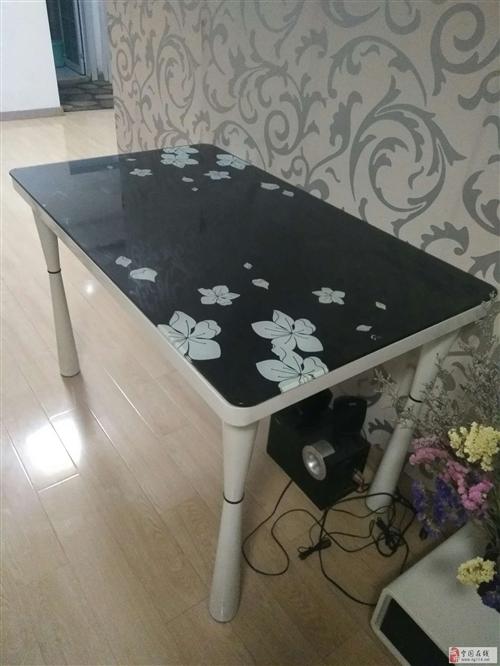 出售闲置餐桌