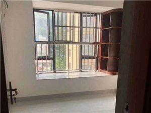 凤山学府2室1厅1卫2300元/月