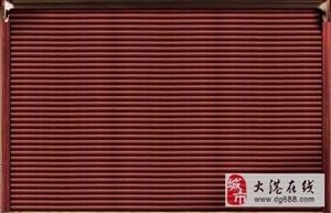 葡京游戏平台官网安装水晶卷帘门,安装钢制卷帘门