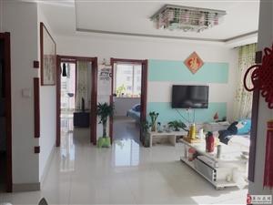 文昌片东盛山庄精装4楼97平大三居客厅带窗