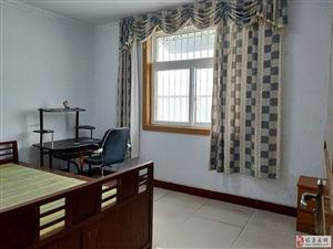 临泉步行街3室2厅1卫47万元
