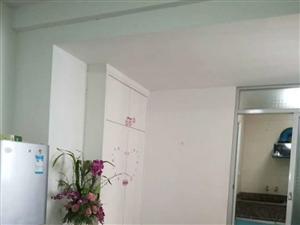 阳光城1室1厅1卫1300元/月